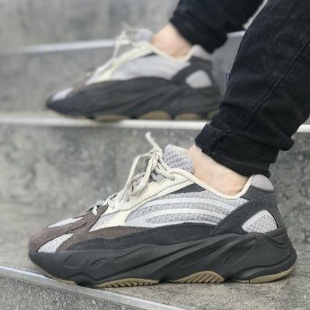 Мужские кроссовки в стиле Adidas Yeezy Boost 700 V2 (40, 41, 42, 43, 44, 45 размеры)