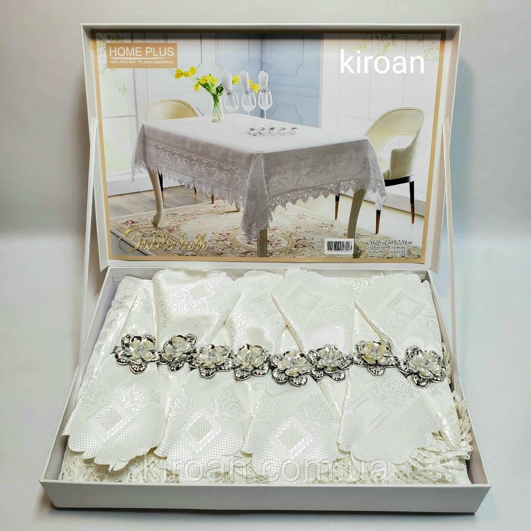 Скатерть с салфетками и держателями в чемоданчике 150х220 см (Белая)