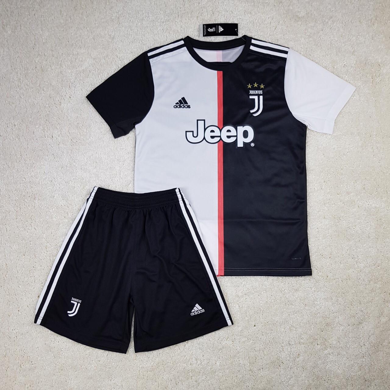 Футбольная форма Juventus 2019-2020