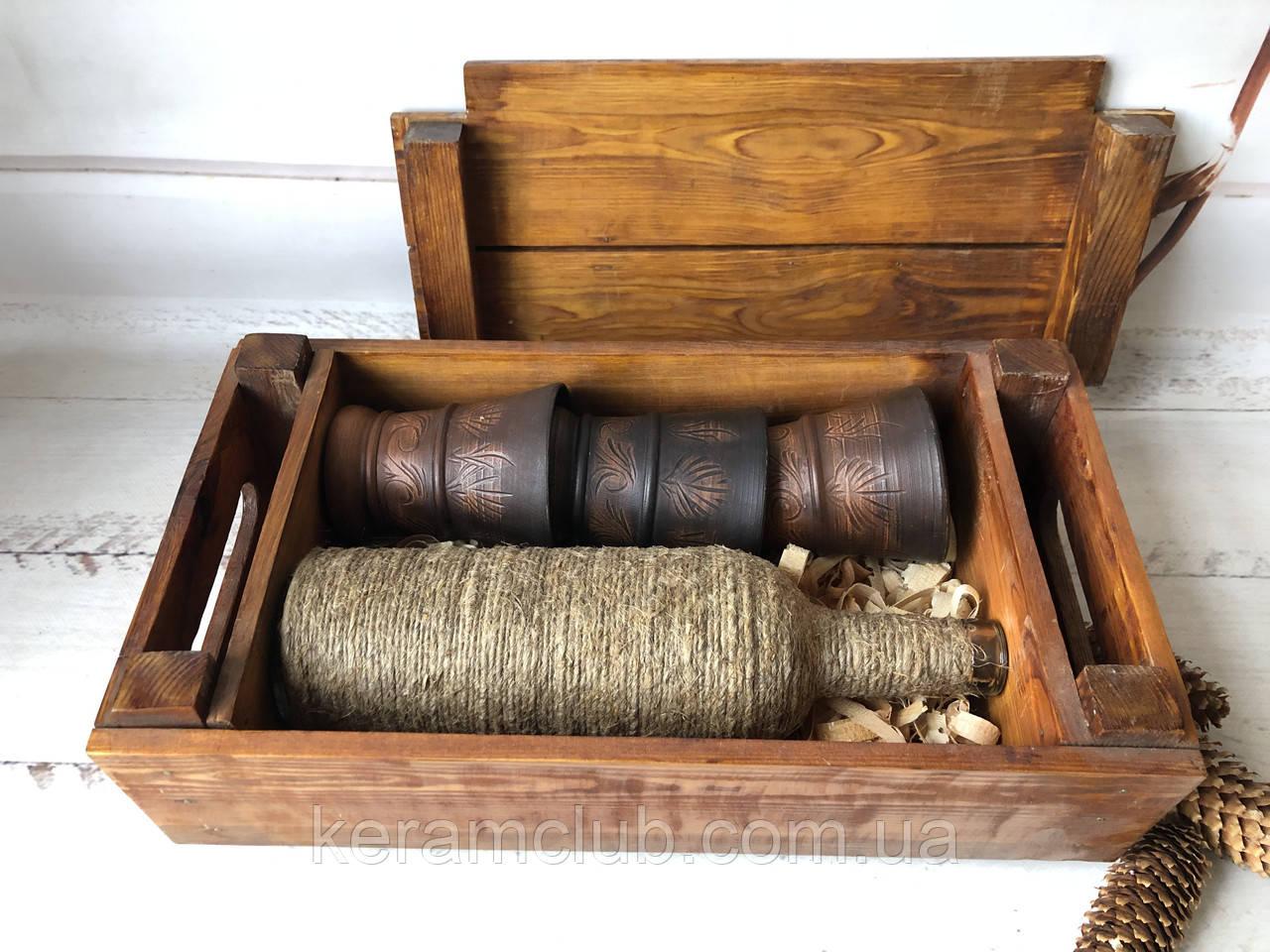 Подарочный винный набор в деревянной коробке с бокалами из красной глины