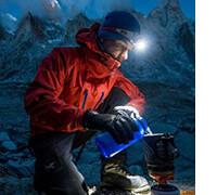 бренды лучших налобных фонарей для туризма и альпинизма, фото