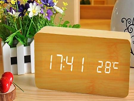 Часы настольные Wooden