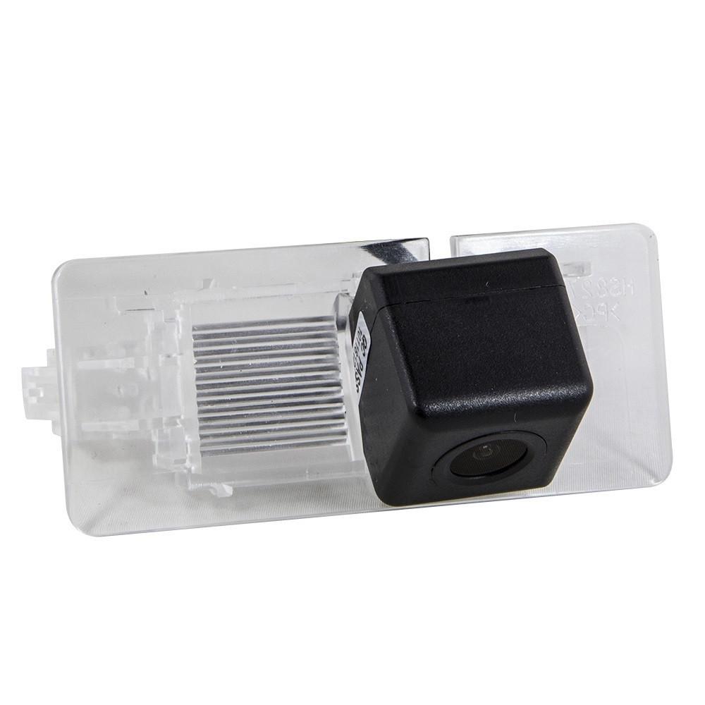 Штатная камера заднего вида Falcon SC117-XCCD. Seat Alhambra/Skoda Octavia A7 2013+/Rapid 2012+/Spaceback