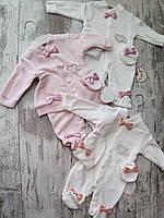 Человек велюровый для малышей оптом 3-12 месяцев белый с розовыми бантиками
