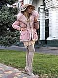 Розовая куртка парка с натуральным мехом белой арктической лисы на капюшоне, фото 3