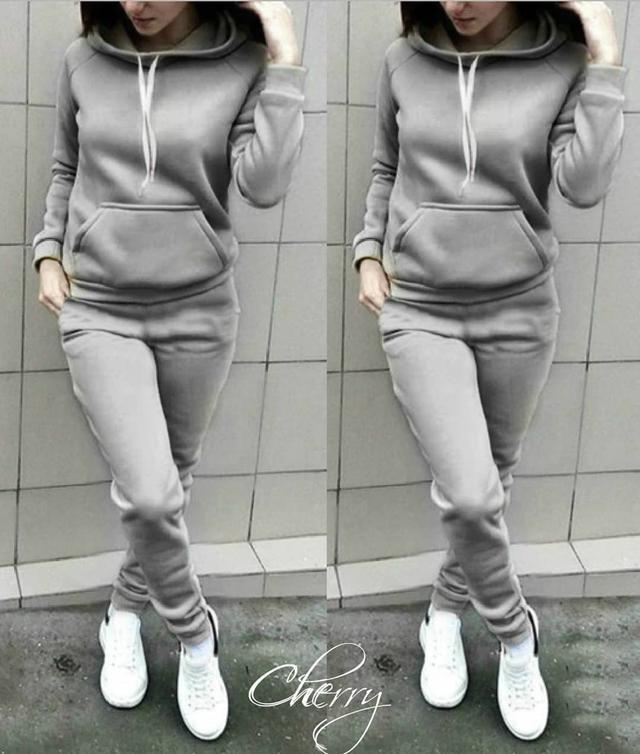 теплый серый спортивный костюм