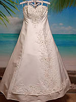 Свадебное  платье 50-52 размер б/у