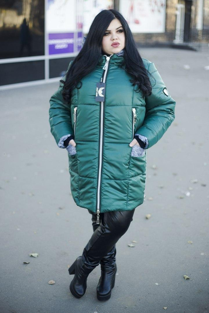 Тёплая зимняя женская куртка  со змейками по бокам  батал с 52 по 82 размер