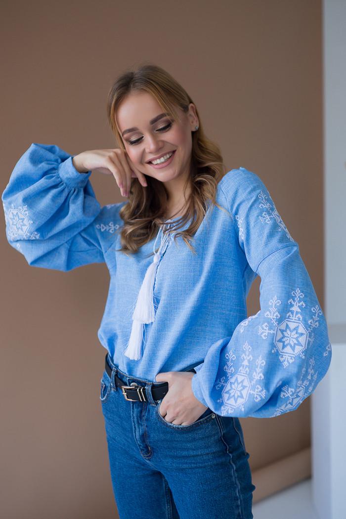 Жіноча  вишиванка блакитна Зірка