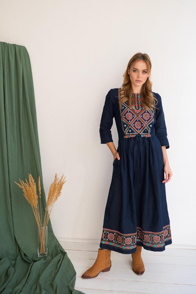 Синие платье вышиванка с орнаментом Руслана