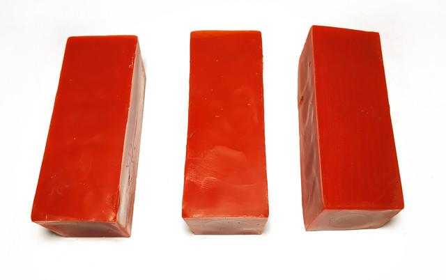 Кольоровий червоний бджолиний віск для виготовлення свічок, розпису писанок