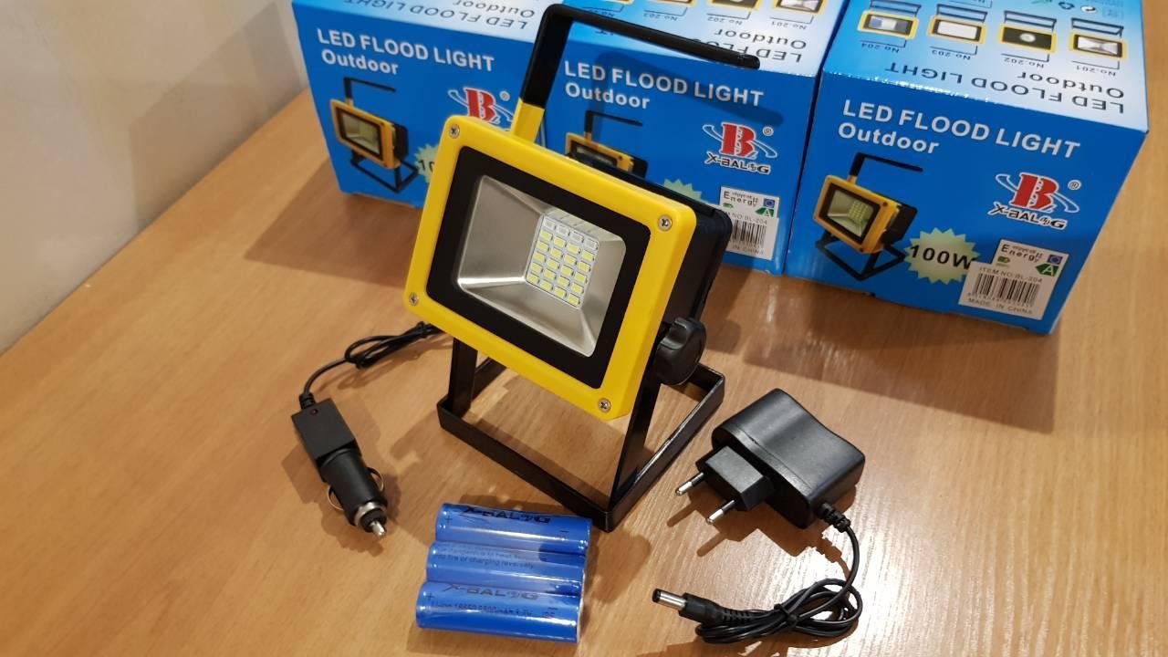 Портативный аккумуляторный прожектор 100W
