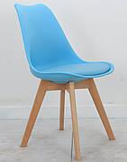 Стілець обідній пластиковий на дерев'яних ніжках Milan , блакитний 52