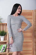 Облягаюче ошатне тепле ангоровое сукню до колін з гудзиками на рукавах хакі меланж, фото 2
