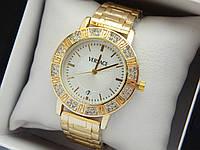 Женские кварцевые наручные часы  Versace (Версаче) на металлическом браслете, золотые с бежевым - код 1589