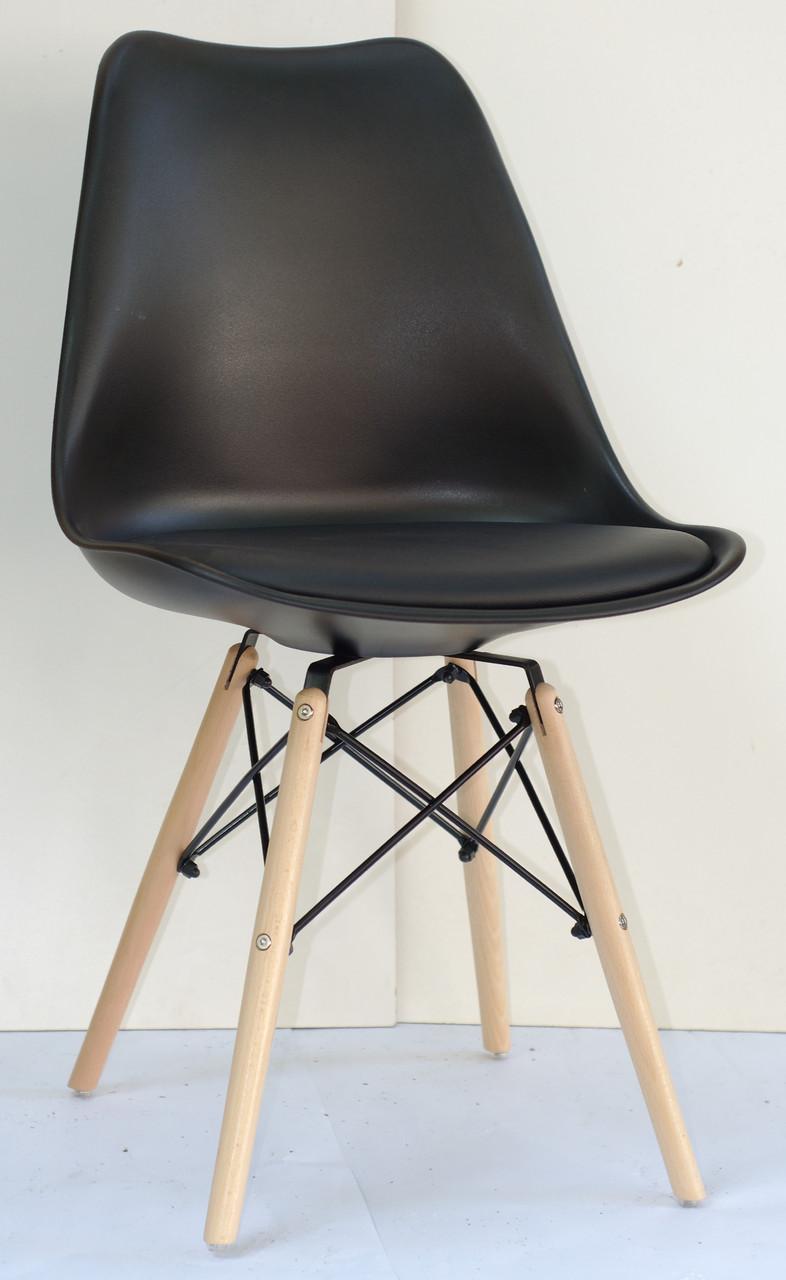 Стул пластик Milan В (Милан) черный на деревянных ножках с мягким сиденьем