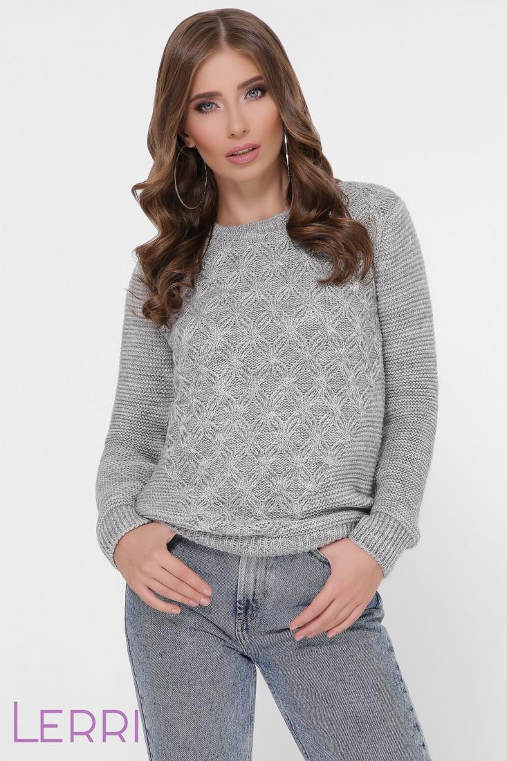Стильный женский свитер крупной вязки