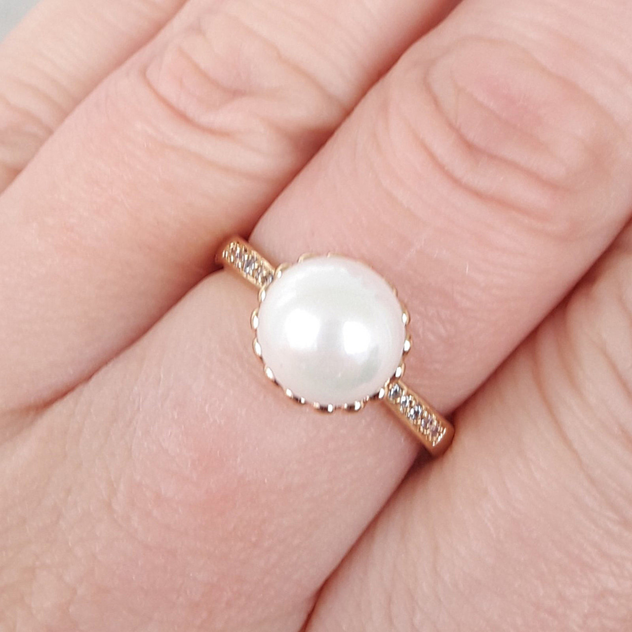 Кільце 19р з перлами xuping позолота 18К 8400