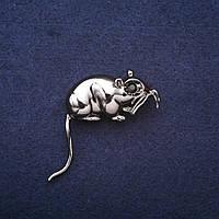Брошь Год Крысы символ года 35х33мм темный металл