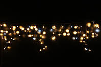 Уличная светодиодная гирлянда бахрома Lumion Icicle Light (Айсикл лайт) 120 led  наружная бел.тепл с мерцанием