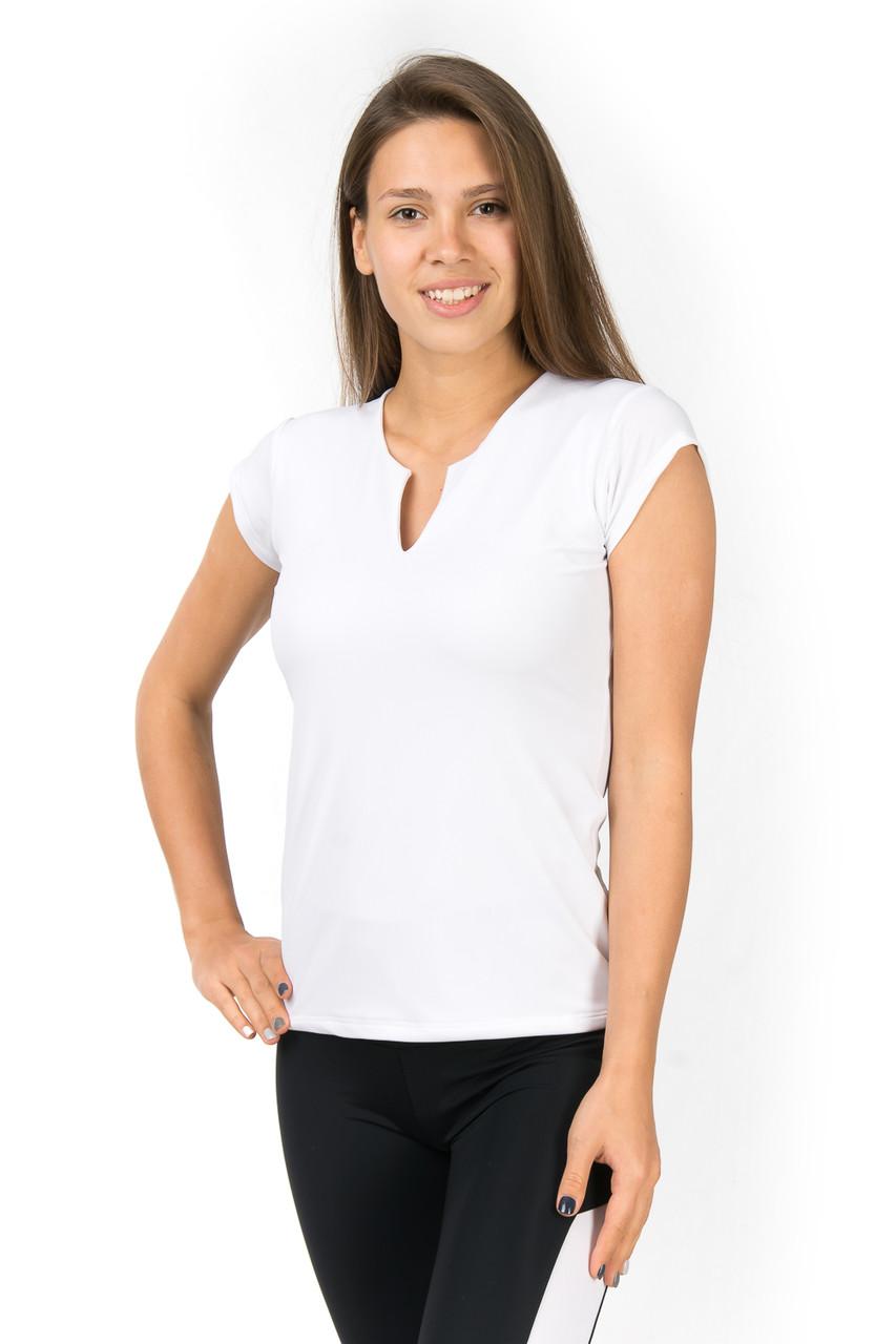 Белая спортивная футболка с V образным вырезом