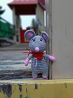 Мягкая Вязаная крючком Мышка с шарфом. 16 см, фото 1