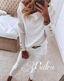 Стильный свитерок ангора свободного кроя с длинными рукавами и пуговками на них. Р-р 42-46 Белый