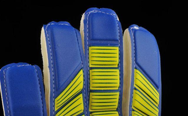 vratarskie-perchatki-adidas-0q0ay0404132