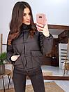 Короткая зимняя курта с воротником - стойкой и накладными карманами 66kur180Q, фото 4