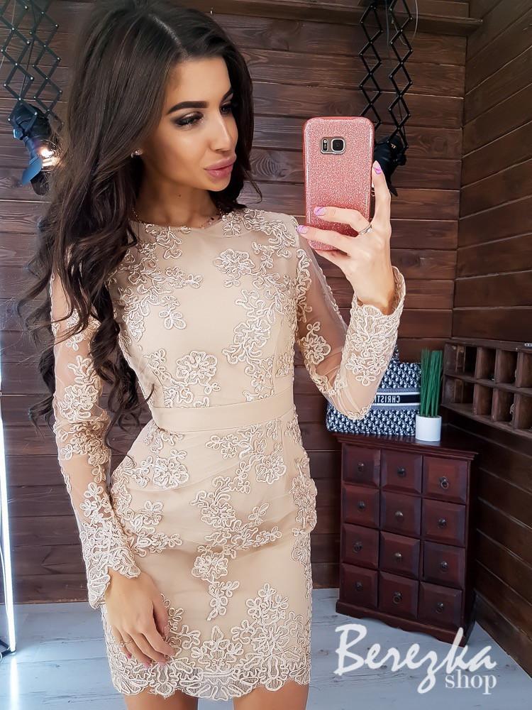 Кружевное платье футляр с длинным рукавом 66plt293Е