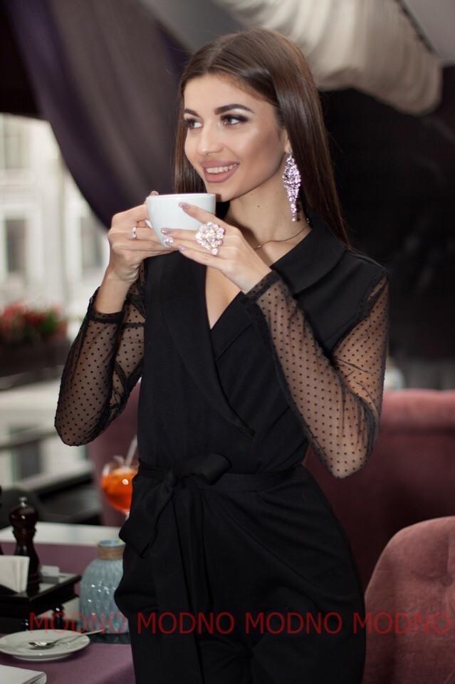 Черный женский комбинезон на запах с рукавом из сетки в горошек 71kos311