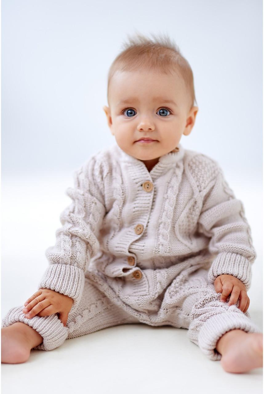 Вязанный комбинезон для малышей