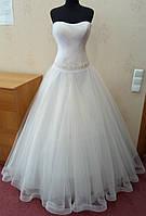57.4 Пышное новое белое свадебное платье с корсом, размер 48