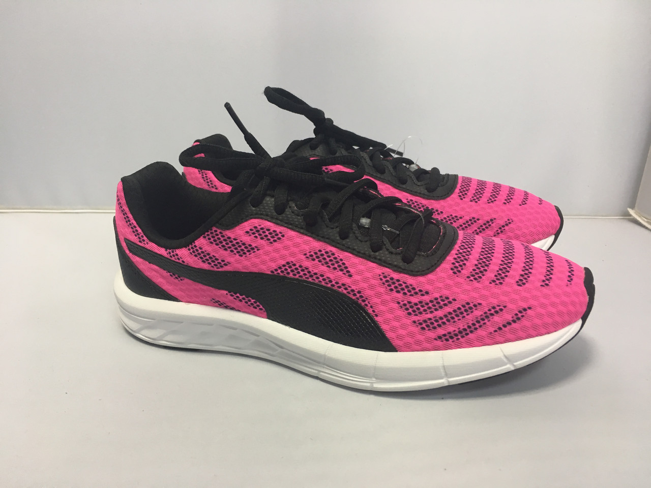 Женские кроссовки Puma, 42 размер