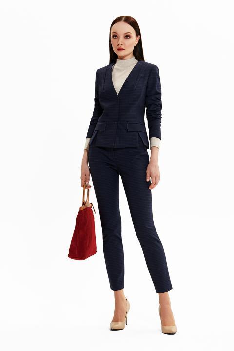 Синий деловой костюм от Noche Mio