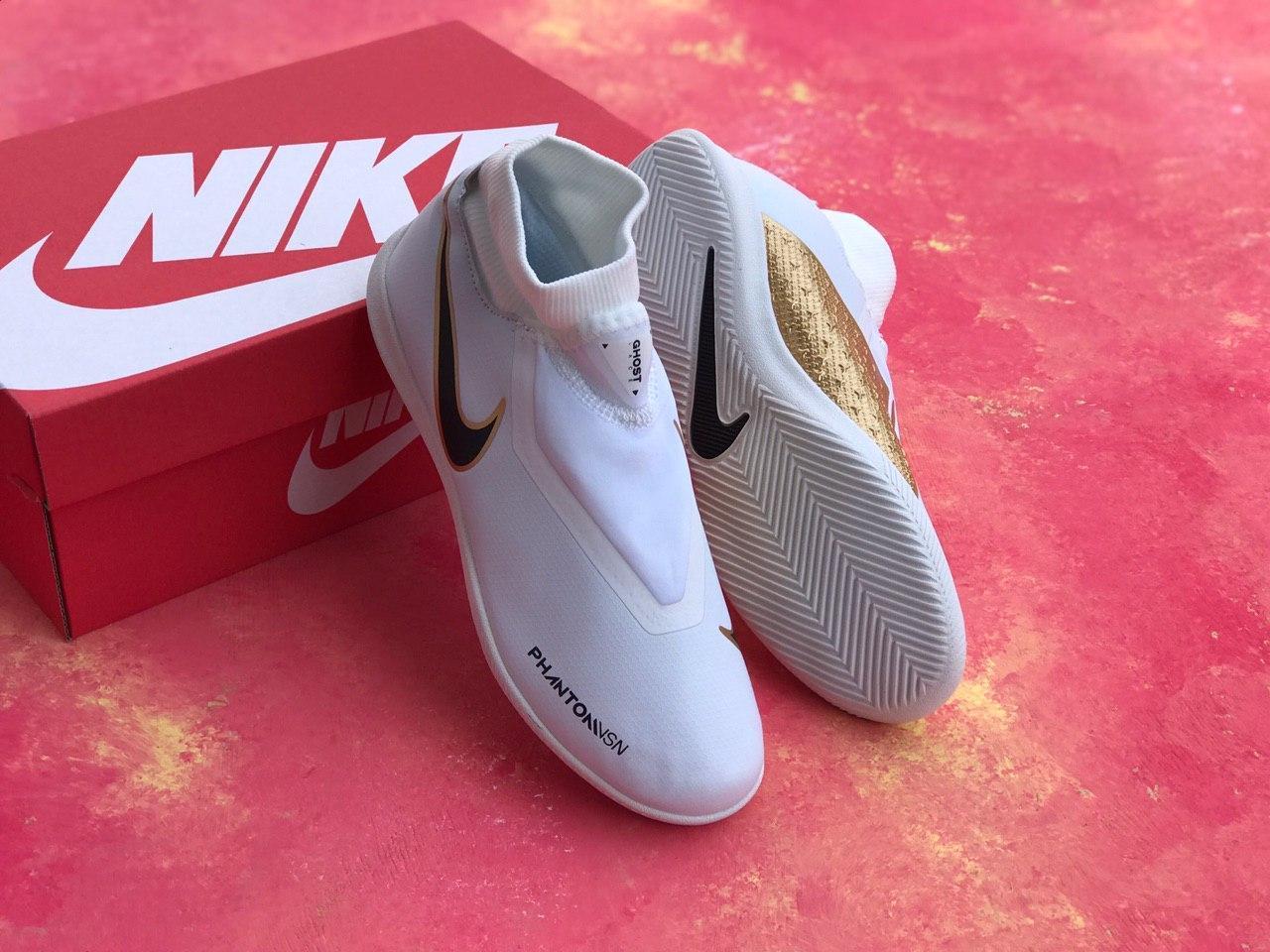 Футзалки Nike Phantom Vision Academy Dynamic Fit IC/найк фантом/футбольная обувь белые