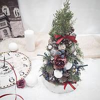 Рождественская новогодняя декоративная елочка на стол в синих и бордовых тонах