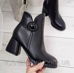 Черевики жіночі чорні зимові екошкіра на  каблуку
