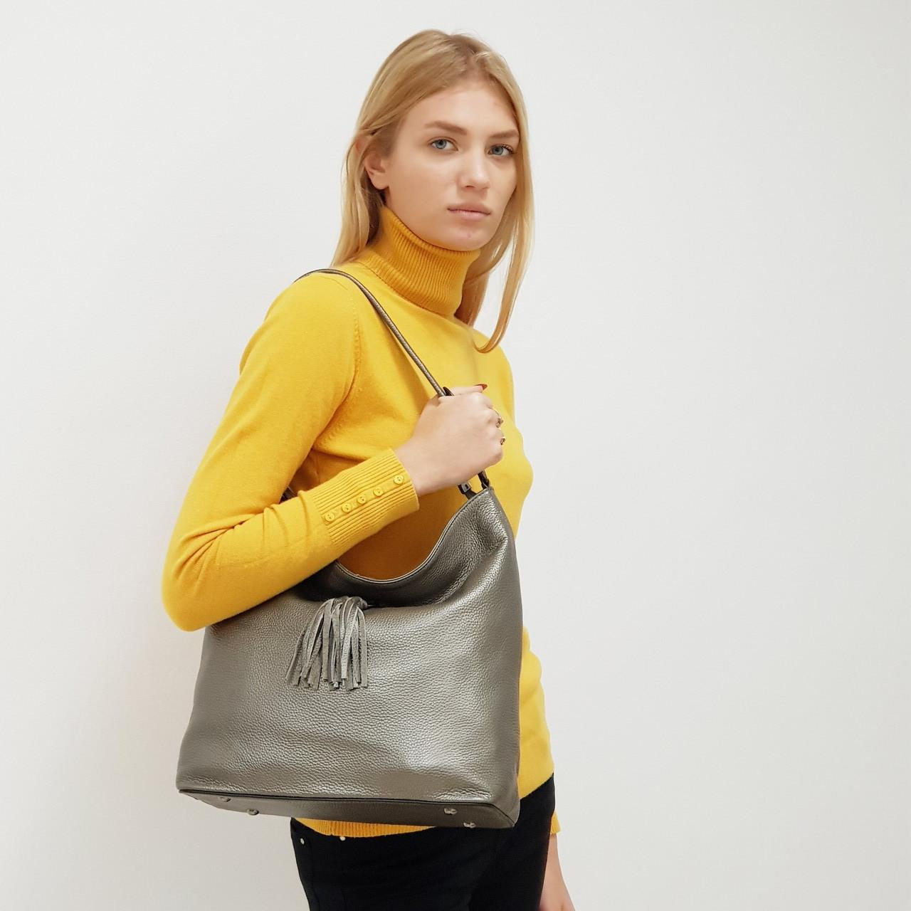 Женская темно-серебристая сумочка из натуральной кожи большая повседневная