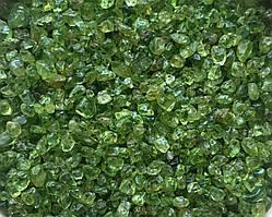 Камень натуральный. Хризолит, крошка, фракция 2-5 мм. Уп. 20 г