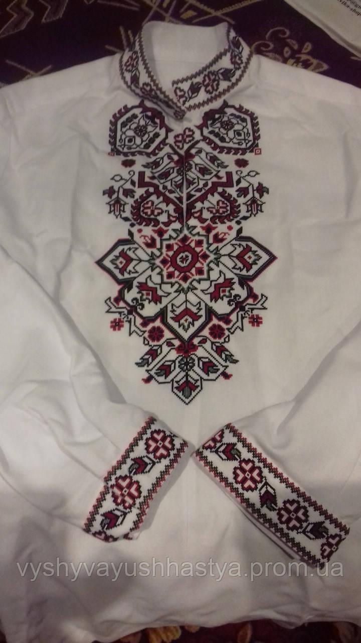 """Мужская вышиванка """"Візерункове намисто"""".Красно-черная вышивка смягчена зелёной нитью"""