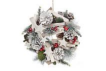 Венок новогодний Bonita декором из ягод, шишек и звезд 25 см (743-213)