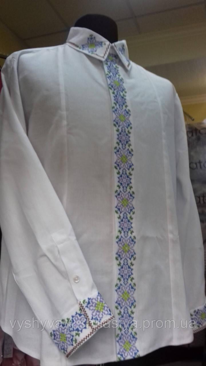Стильная мужская рубашка с вышивкой для торжественных событий.