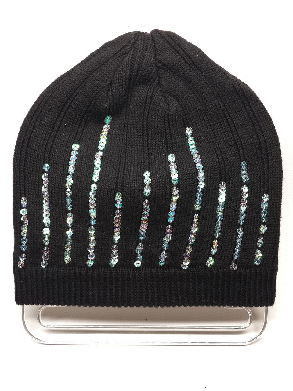 Тонкая шапка с пайетками черная