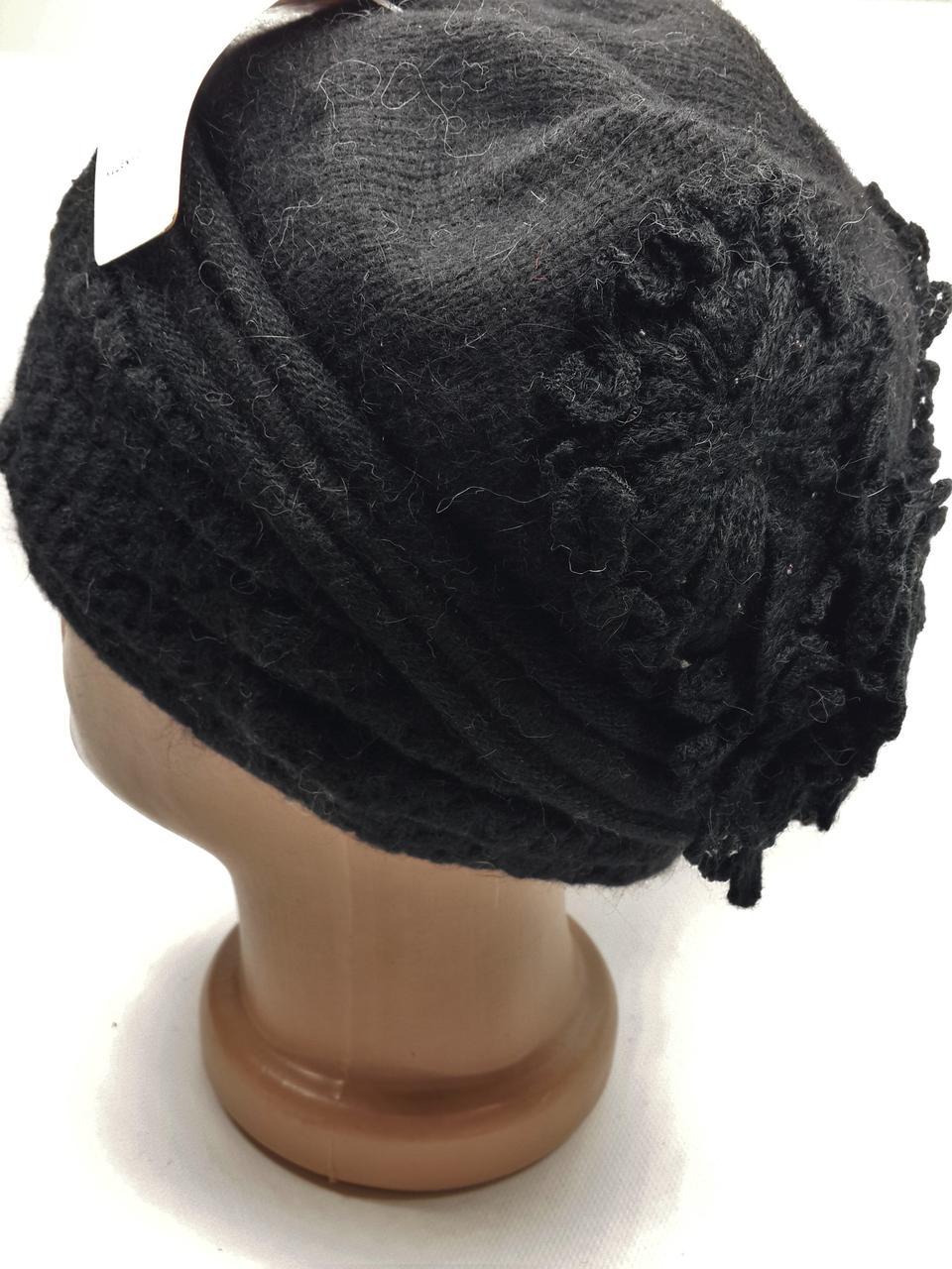 Теплая шапка с цветами сзади Urchin черная