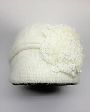 Теплая шапка с цветами сбоку Urchin молочная, фото 2