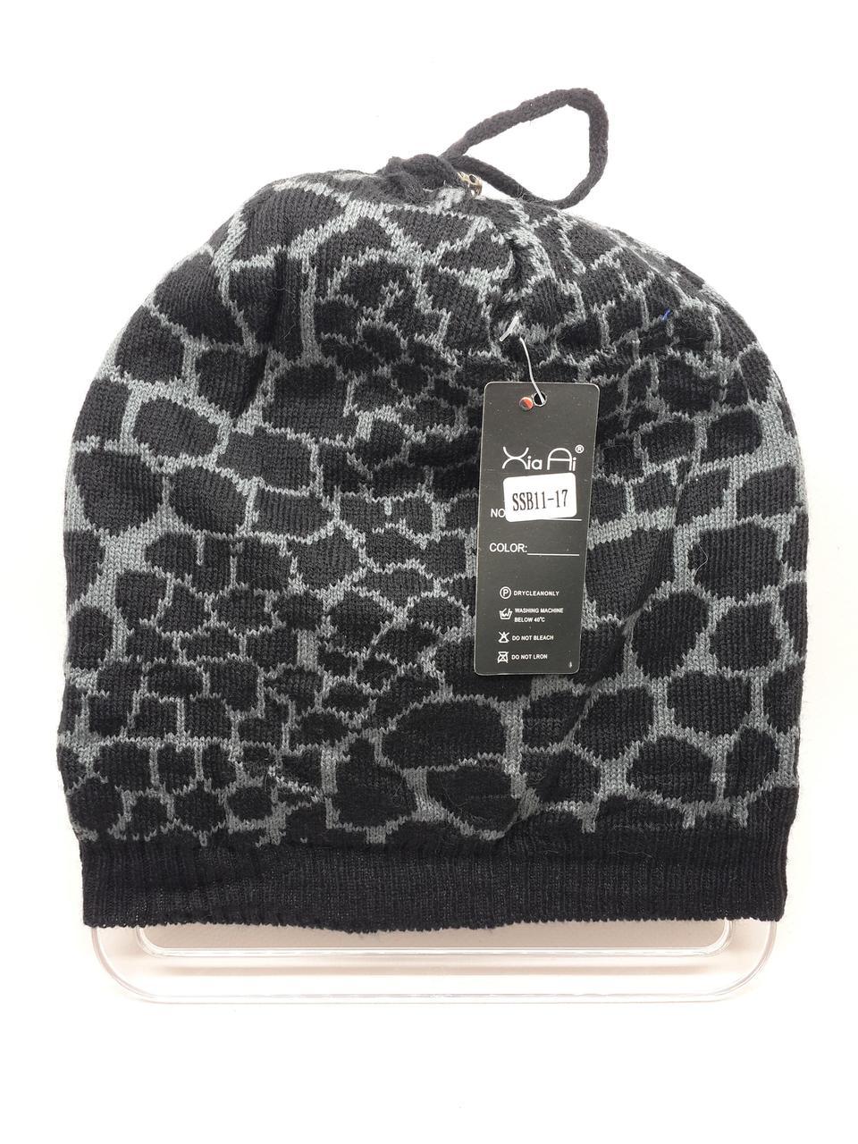 Тонкая шапка с леопардовым принтом серая
