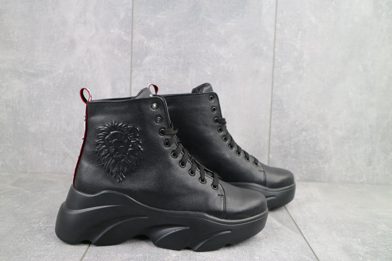 Стильні жіночі зимові шкіряні черевики Best Vak на високій підошві