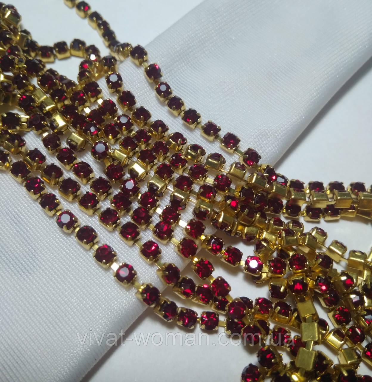 Стразовая цепь, gold, Dk. Siam SS12 (3 мм) 1 ряд. Цена за 0.5 м.