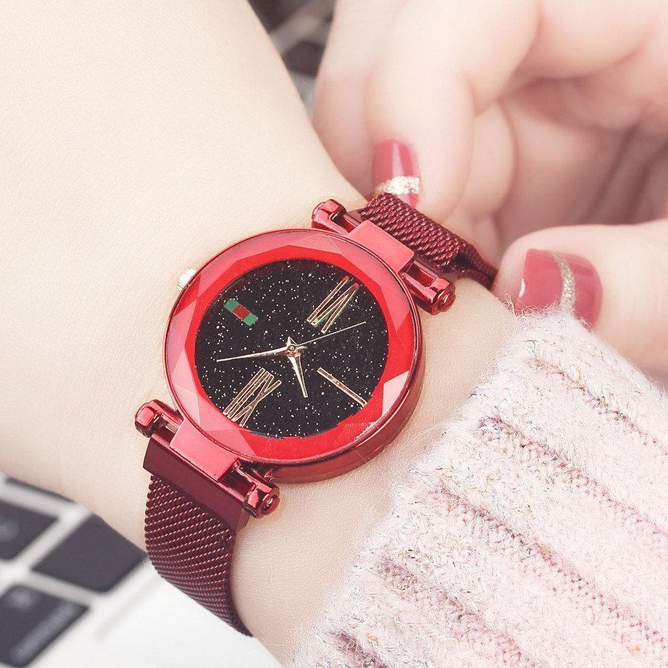 Женские часы Starry Sky Watch на магнитной застёжке Красные
